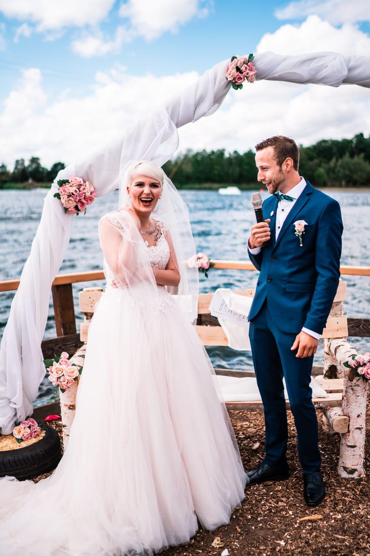 Hochzeitsrednerin Doreen Werding - Ein Liebeslied als Überraschung