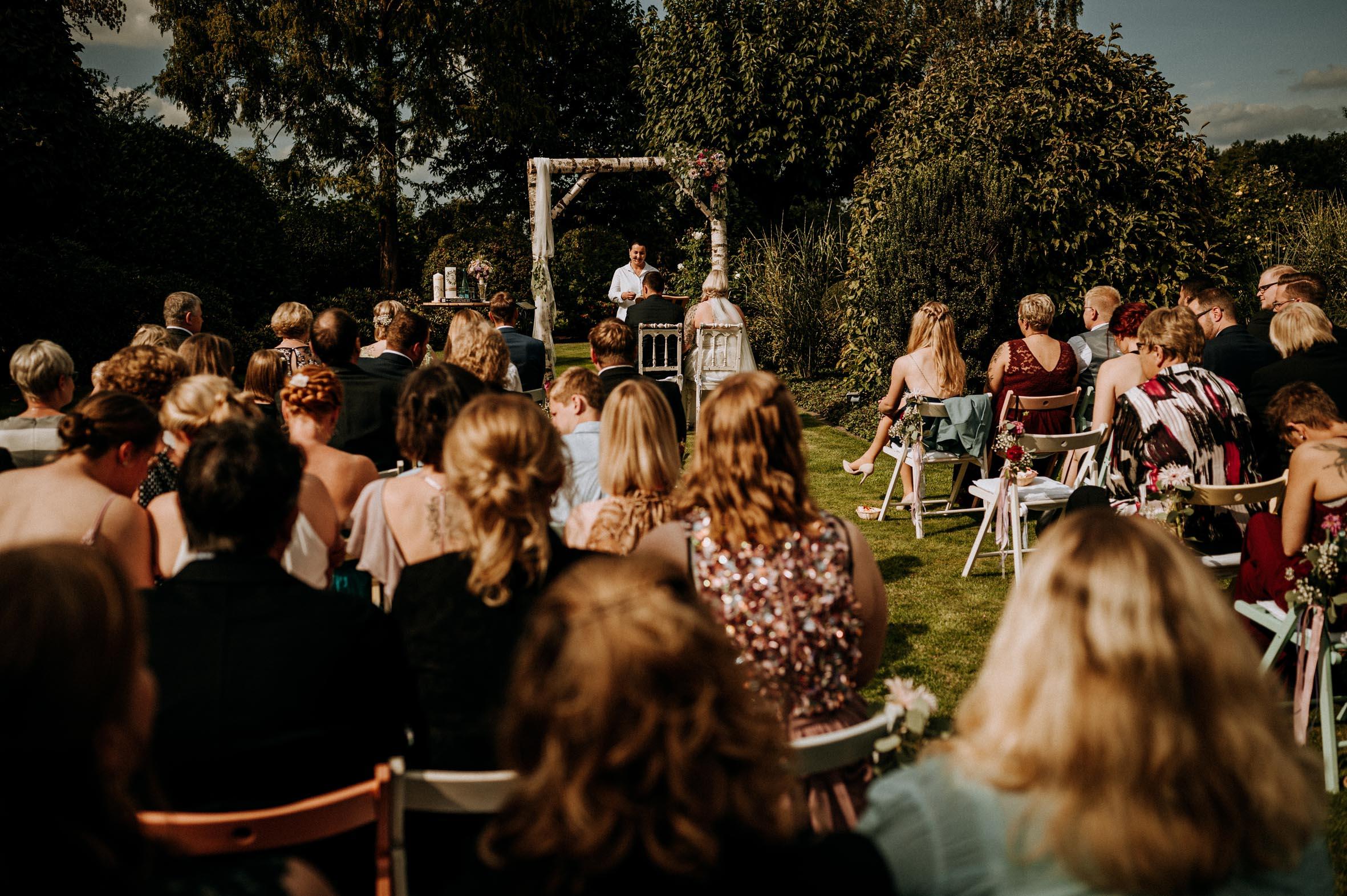 Hochzeitsrednerin Doreen Werding - Liebe liegt in der Luft