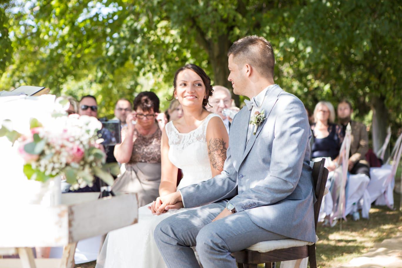 Hochzeitsrednerin Doreen Werding - Verliebte Blicke