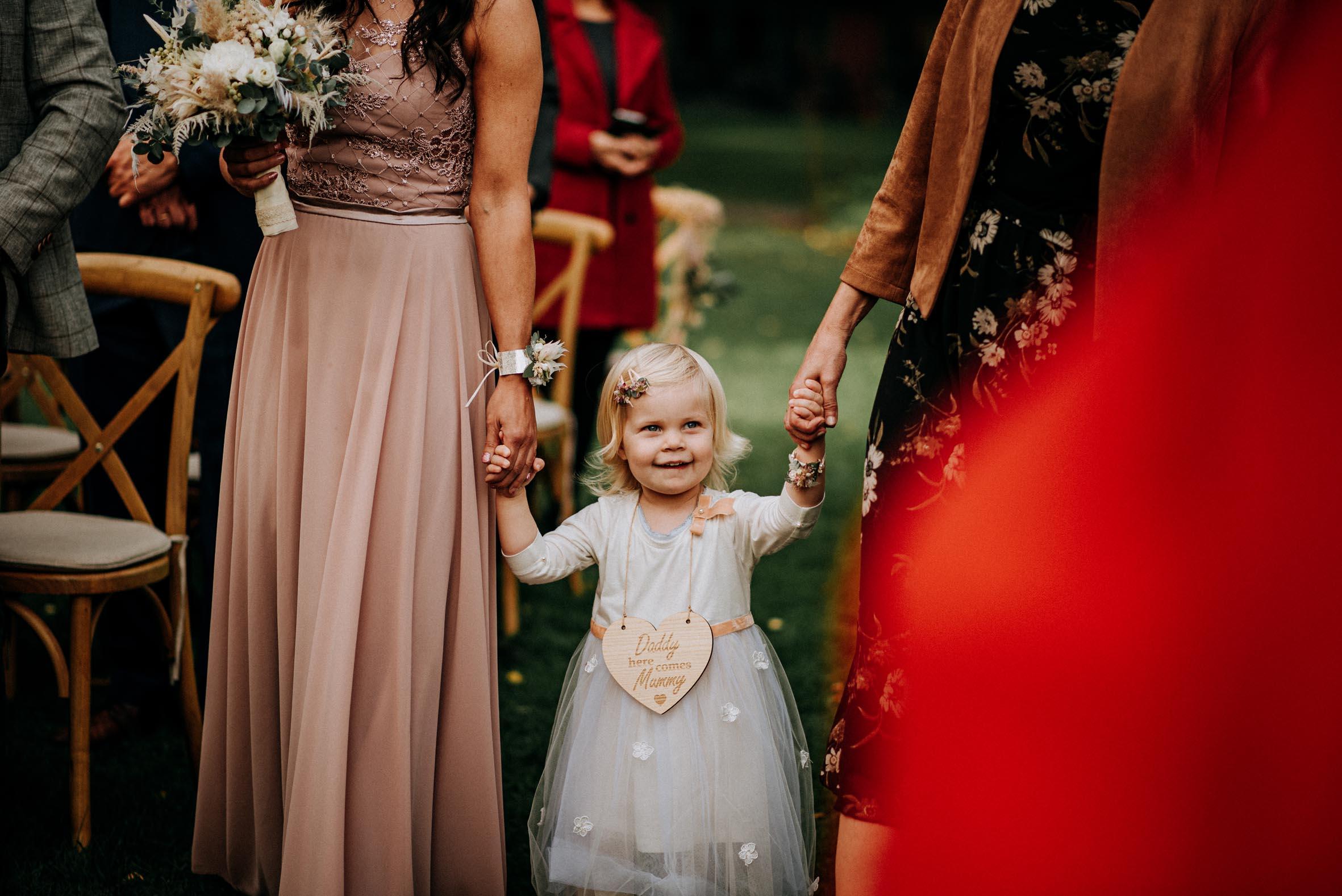 Hochzeitsrednerin Doreen Werding - Einzug mit Töchterchen Hannah