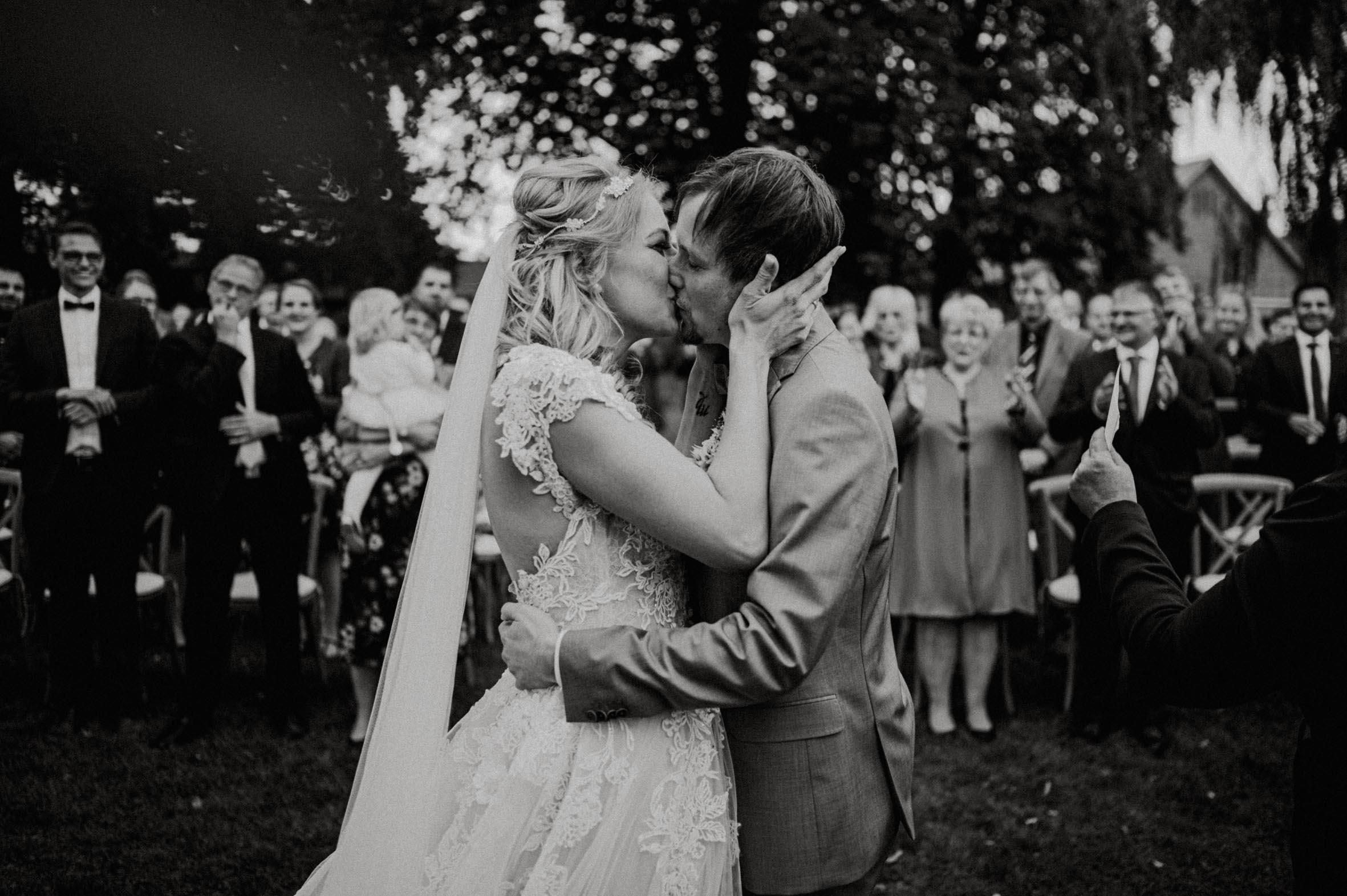 Hochzeitsrednerin Doreen Werding - Der Kuss